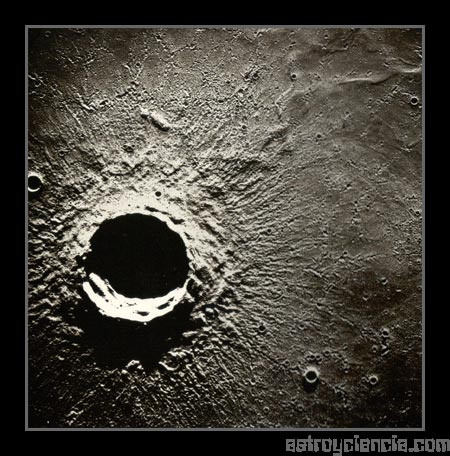 Cráter Timocharis