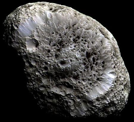 Hiperión: Luna de Saturno