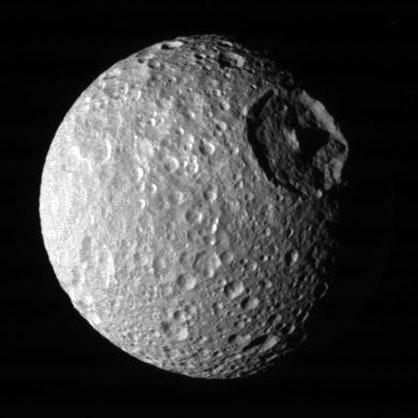 Mimas: Luna de Saturno