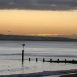 ¿Por qué las regiones costeras tienen más horas de sol?